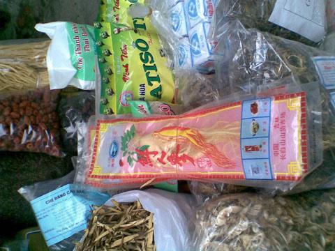 Hàng chợ đông trùng hạ thảo